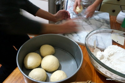 Beginning the Slavski kolač